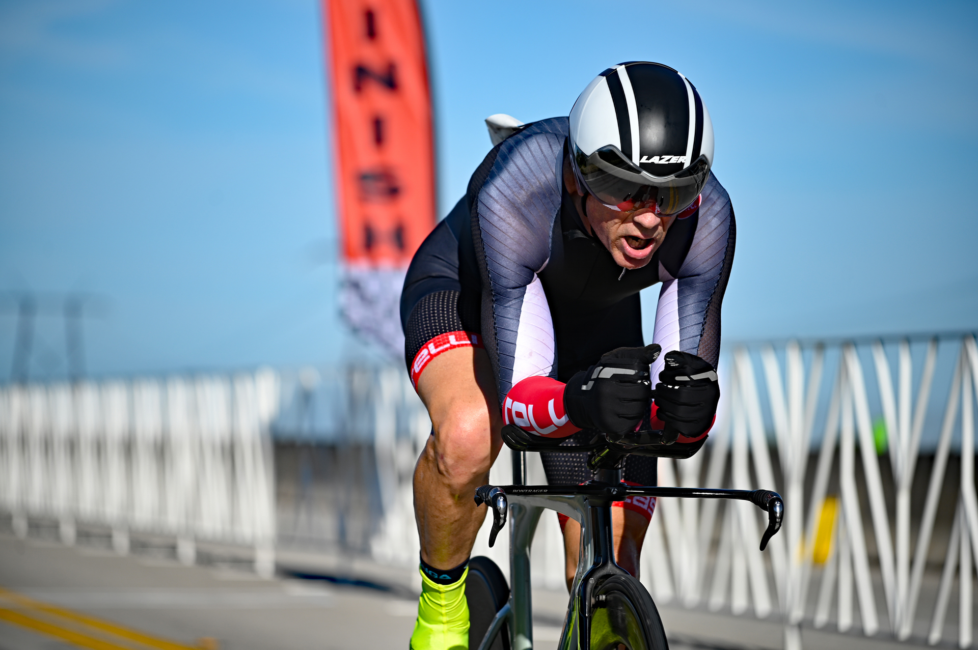 time-trial-racer-finish-line-velopista-photo-sports-photographer